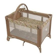 BER?O GRACO PACK' N PLAY PLAYARD WITH BASSINET - LIVELY DOTS